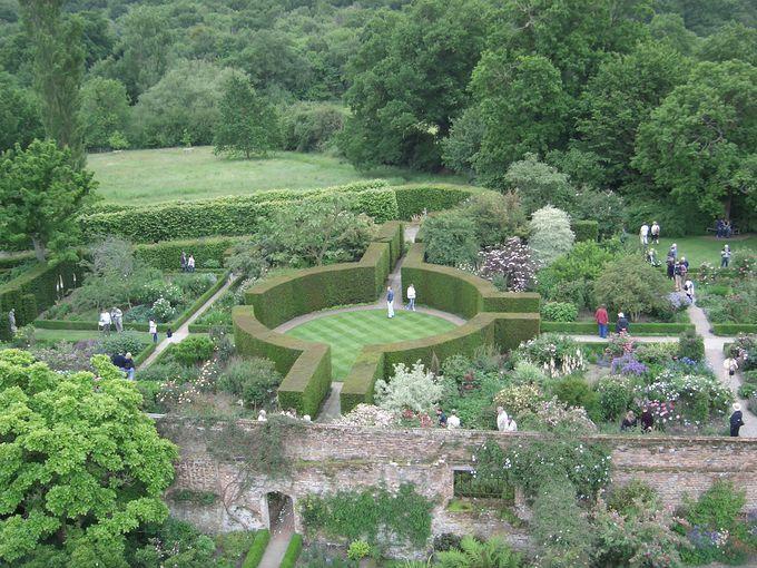 上から見ても美しい庭