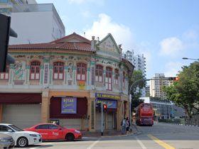 バレスティアロードでシンガポールローカルフードとレトロな雰囲気を味わおう!