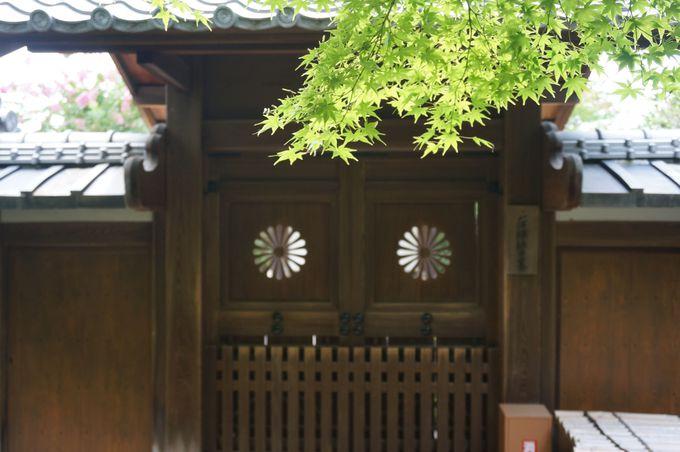 一休さんは、後小松天皇の皇子さま。