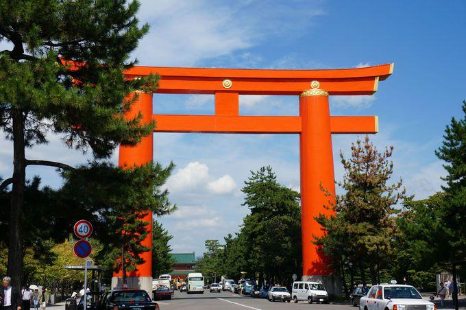 日本有数の大きさを誇る大鳥居は平安神宮のシンボル。