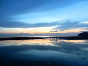 瀬戸内海のウユニ塩湖!フォトジェニックな香川県三豊市「父母ヶ浜」