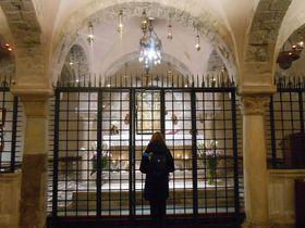いつでもサンタクロースに会える!南伊バーリの「サン・ニコラ聖堂」
