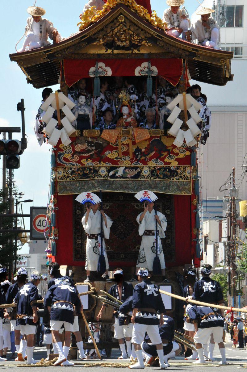 京都・祇園祭のクライマックス、山鉾巡行を見に行こう!