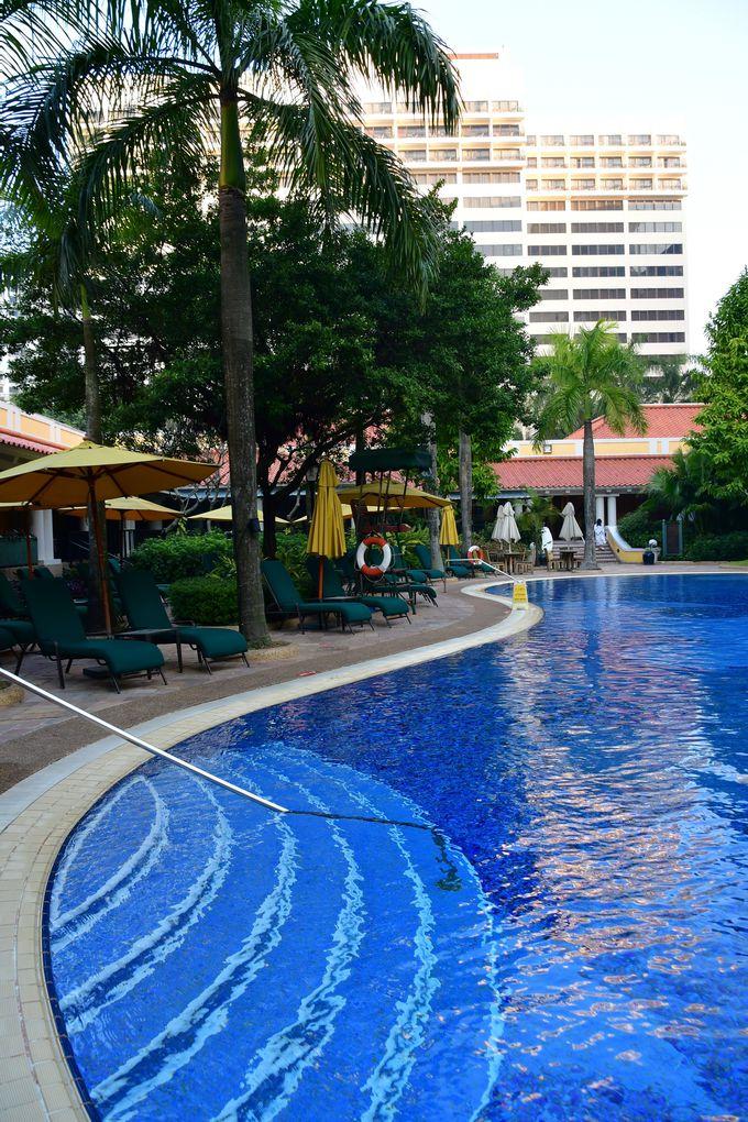 ホテルの外観と施設