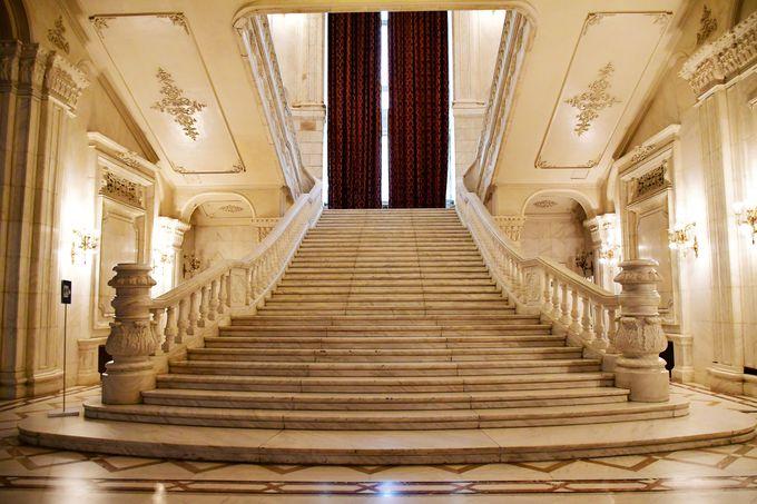 チャウシェスクが拘った階段