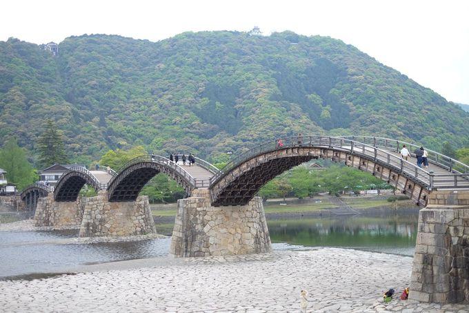 街一望の岩国城も!錦帯橋は周辺観光も充実
