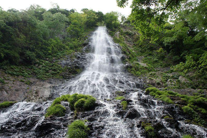 暑さを吹き飛ばす天からのシャワー〜兵庫県養父市・天滝
