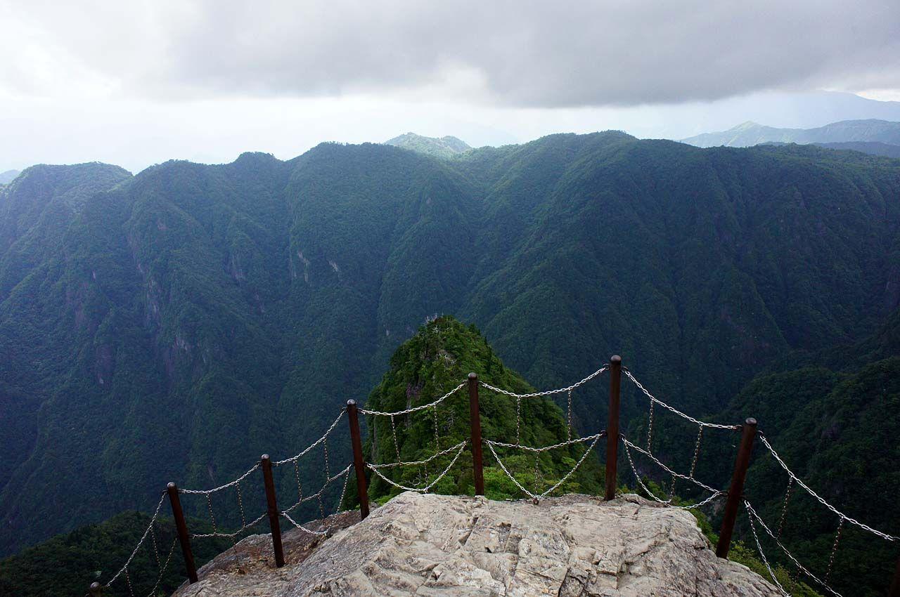 800mの断崖絶壁「大蛇�ー(だいじゃぐら)」