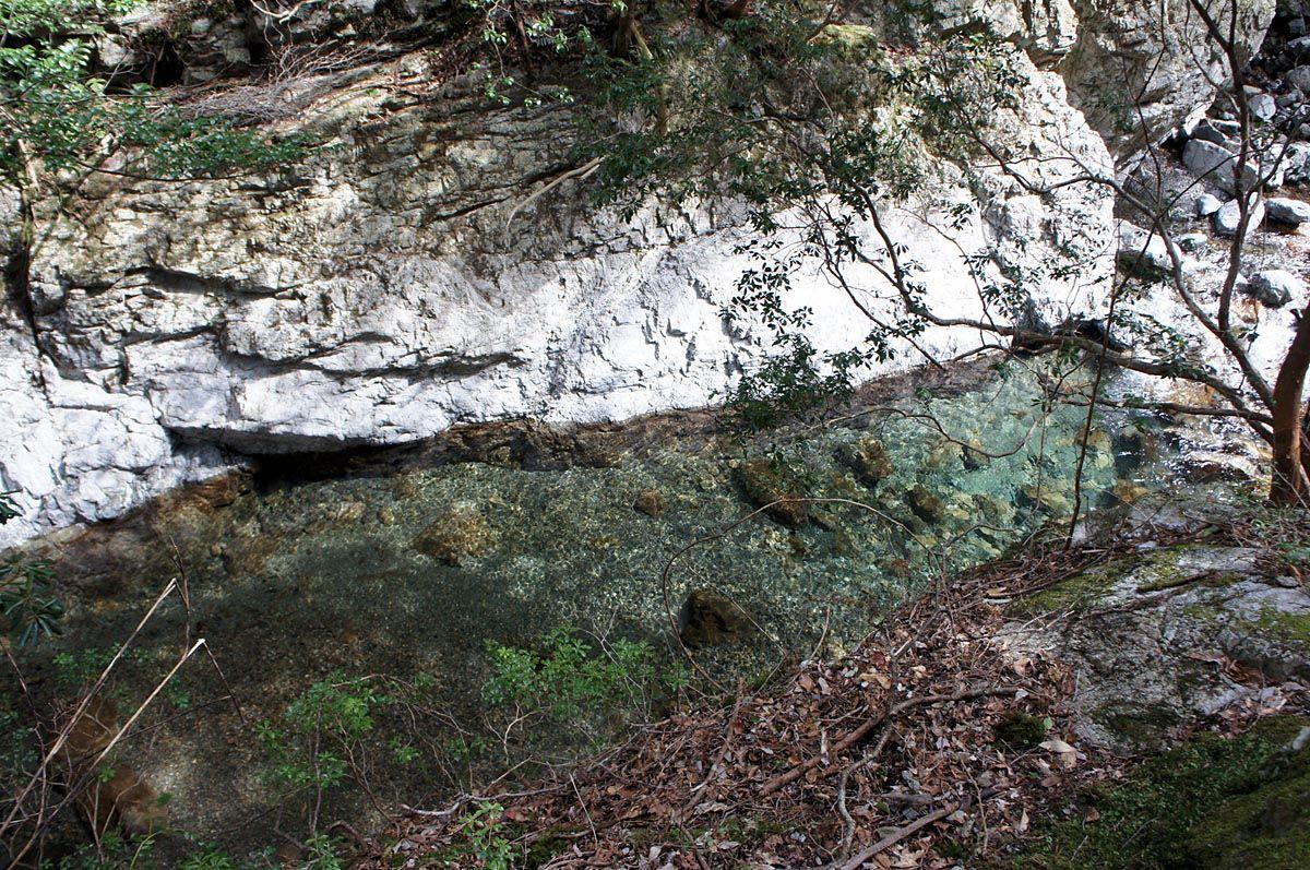 水と岩の織り成す自然の芸術を堪能!〜宮の谷渓谷(三重県松阪市)