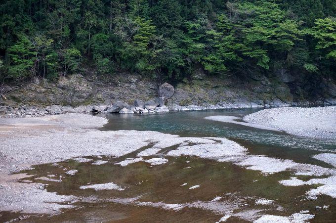 水害の傷跡が残る禊殿の河原