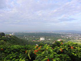 ミャンマーのマンダレーの街を一望できる「マンダレーヒル」