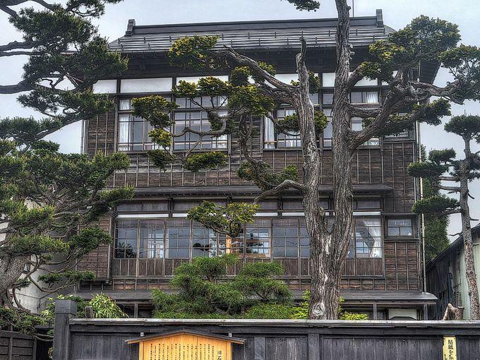 保存地区内には三階建の木造建築も 旧石田理吉家