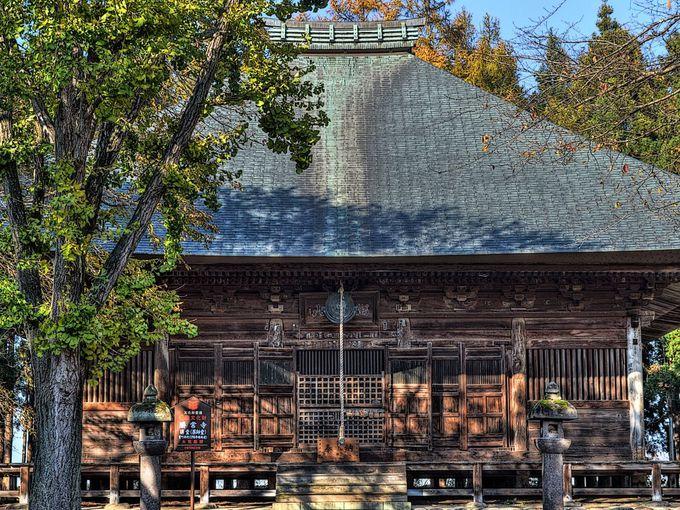 国宝仏のある勝常寺では重文の薬師堂も必見