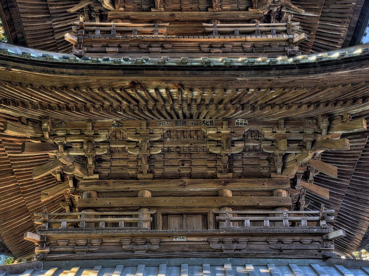 西明寺には重文建築が3件