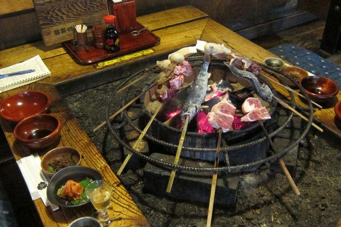 「食事処 曲水庵」で味わう囲炉裏焼き