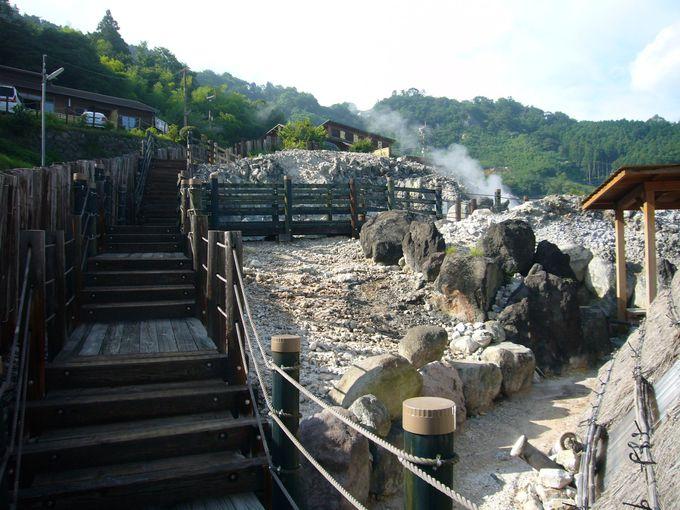 地獄の散策と展望岩風呂 明礬地獄観光