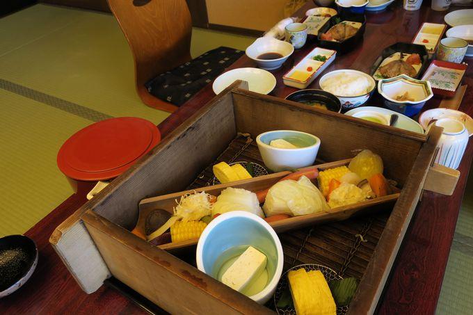 阿蘇と天草の幸をふんだんに使った会席料理が自慢