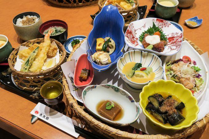 季節の食材をふんだんに使った食事も魅力