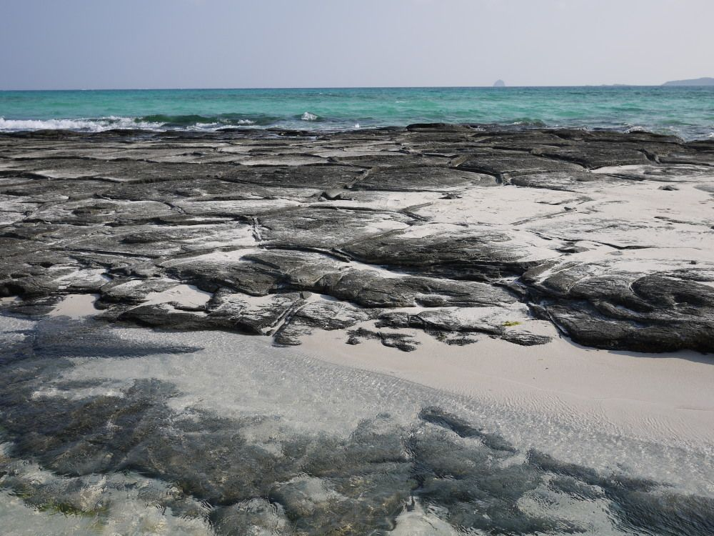 自然が創りだした芸術作品「畳石」