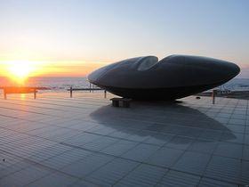 北海道南西沖地震を未来に伝える「時空翔」と「奥尻島津波館」|北海道|トラベルjp<たびねす>