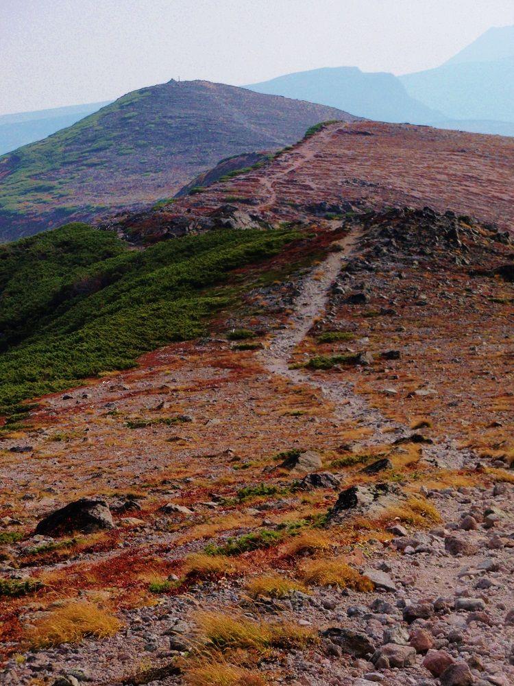 赤岳から緑岳へ、山のてっぺんを歩いて行こう!