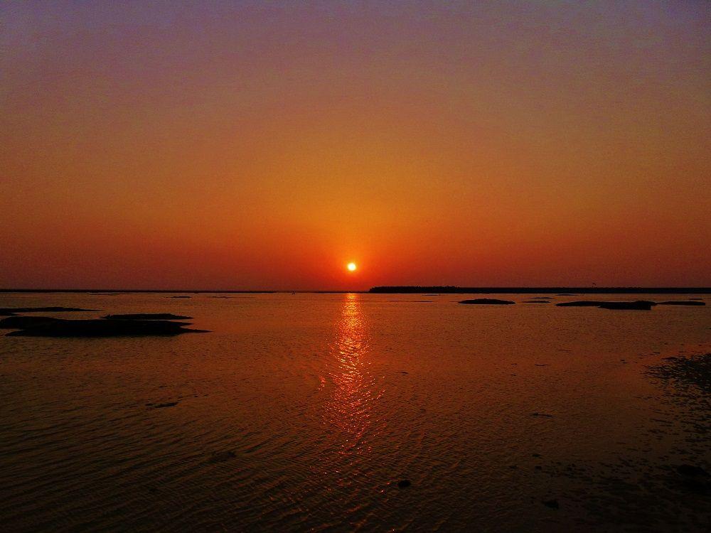 久米島で美しいサンセットを見るならココ!「シンリ浜」