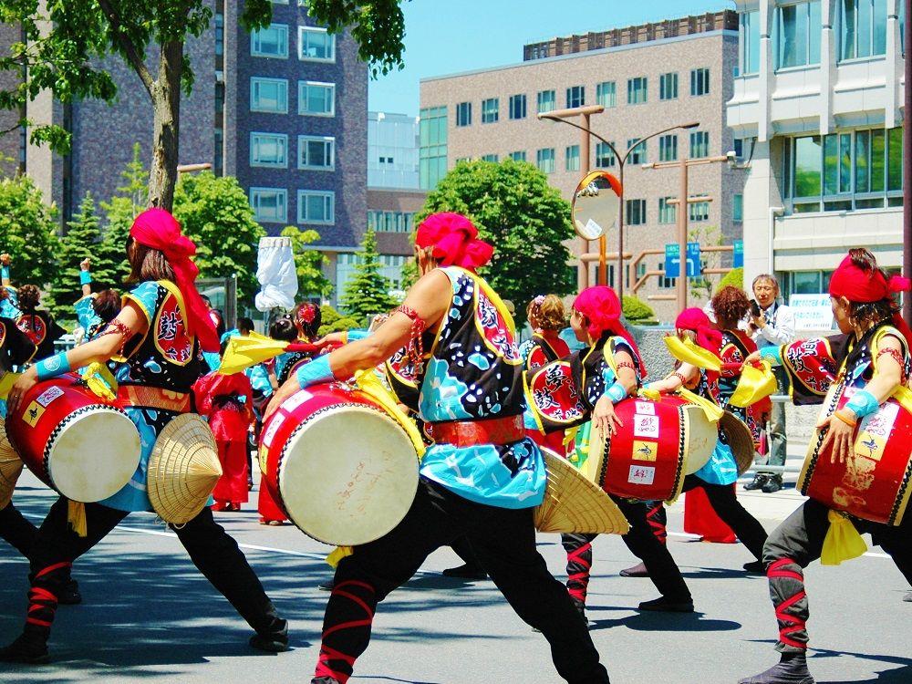 札幌「YOSAKOIソーラン祭り」の大迫力を無料で楽しむ方法