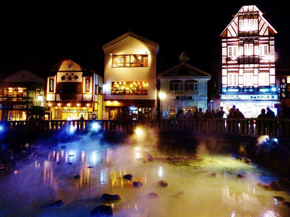 「湯畑」だけじゃない!草津温泉街のライトアップも美しい