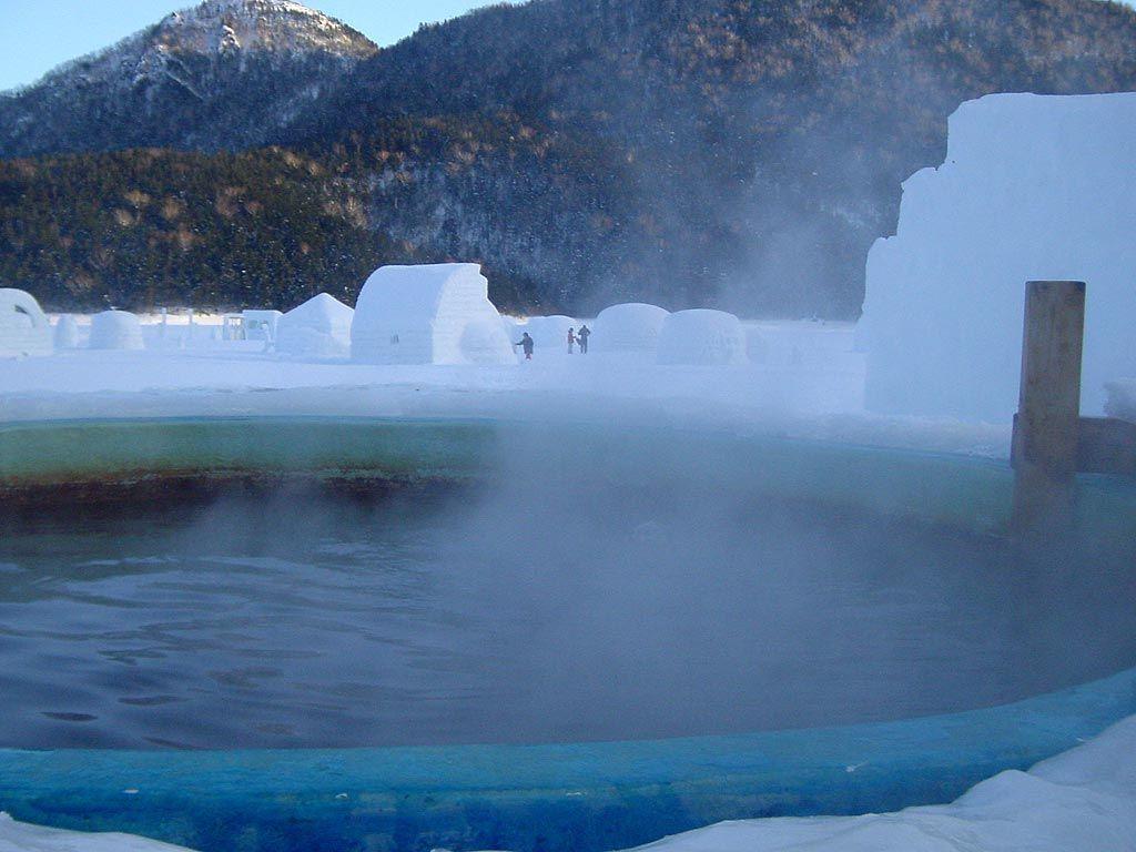 冬季限定!雪と氷の神秘、幻の村「しかりべつ湖コタン」