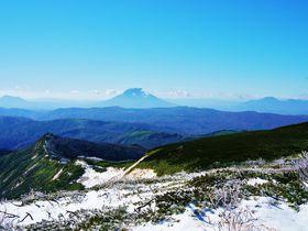 紅葉の大地から白銀の世界へ!北海道「余市岳」晩秋登山|北海道|トラベルjp<たびねす>