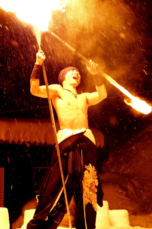 迫力満点!ファイヤーダンサー「久遠(Kuon)」さんの炎の舞は必見!