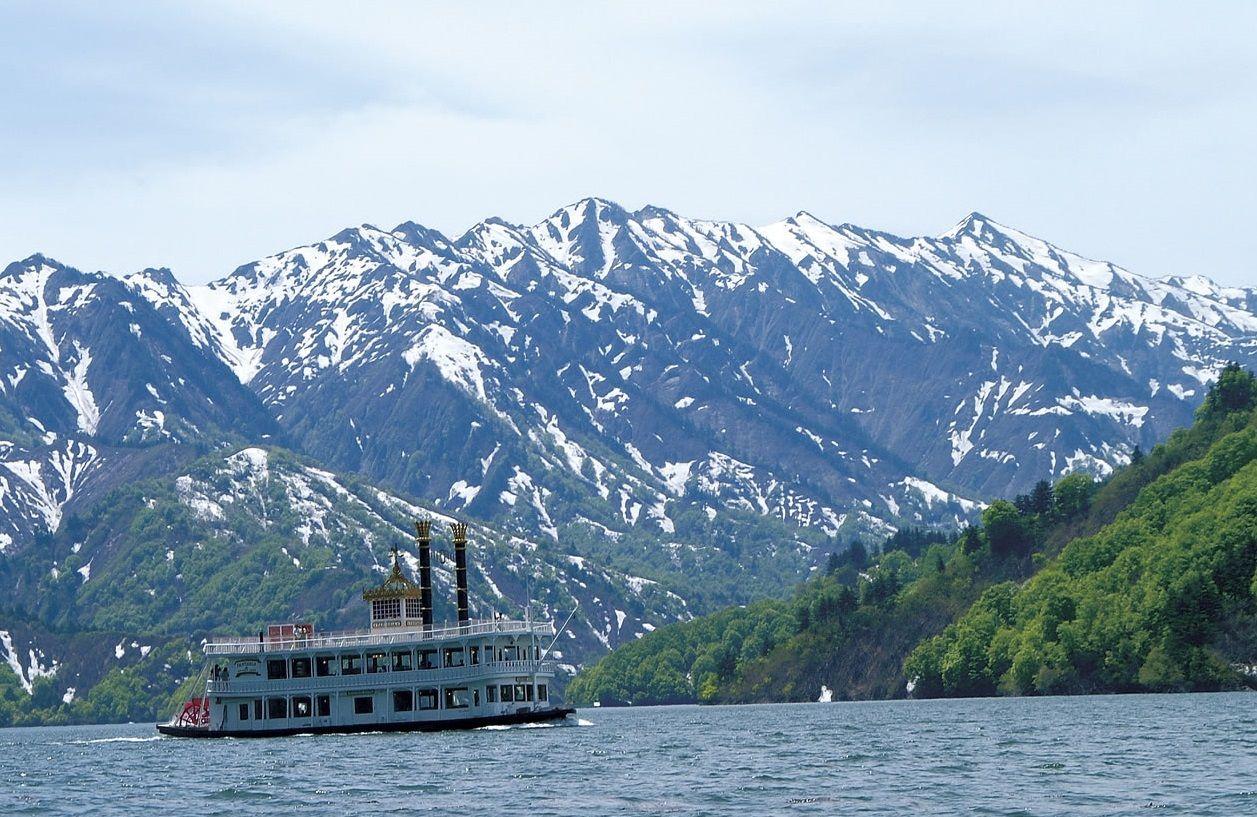遊覧船に乗って初夏の絶景の中へ!