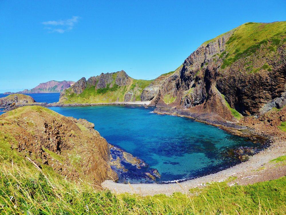 南国を思わせるコバルトブルーの絶景!北海道礼文島「澄海岬」
