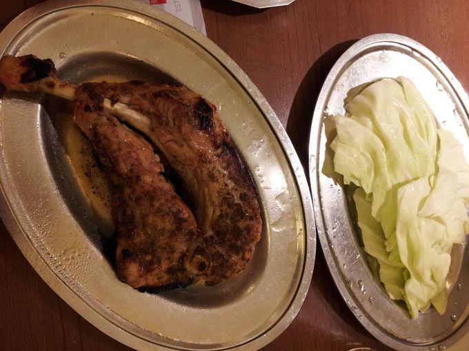 香川の隠れご当地グルメ、骨付鳥を食す!