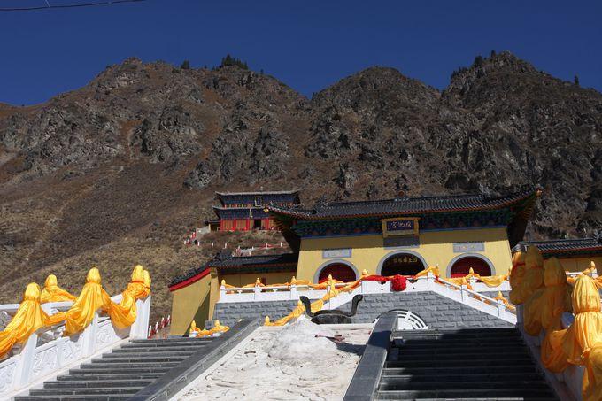 天池を天から見下ろすには…唯一の山登りスポット「西王母廟」に注目!