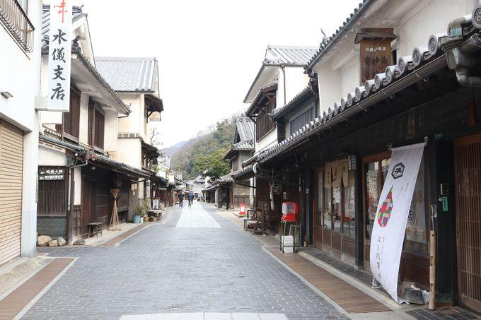 その先は江戸時代の町並みが…