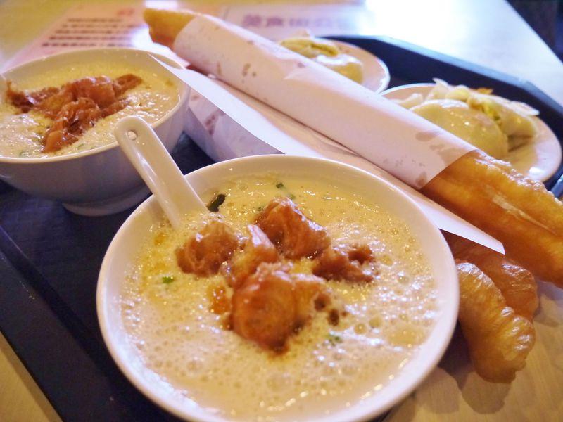 台北のおすすめ朝ごはん「阜杭豆漿」は並んでも食べるべし!