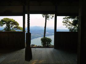 振り向けば絶景!琵琶湖の美しさに息を飲む「長命寺」