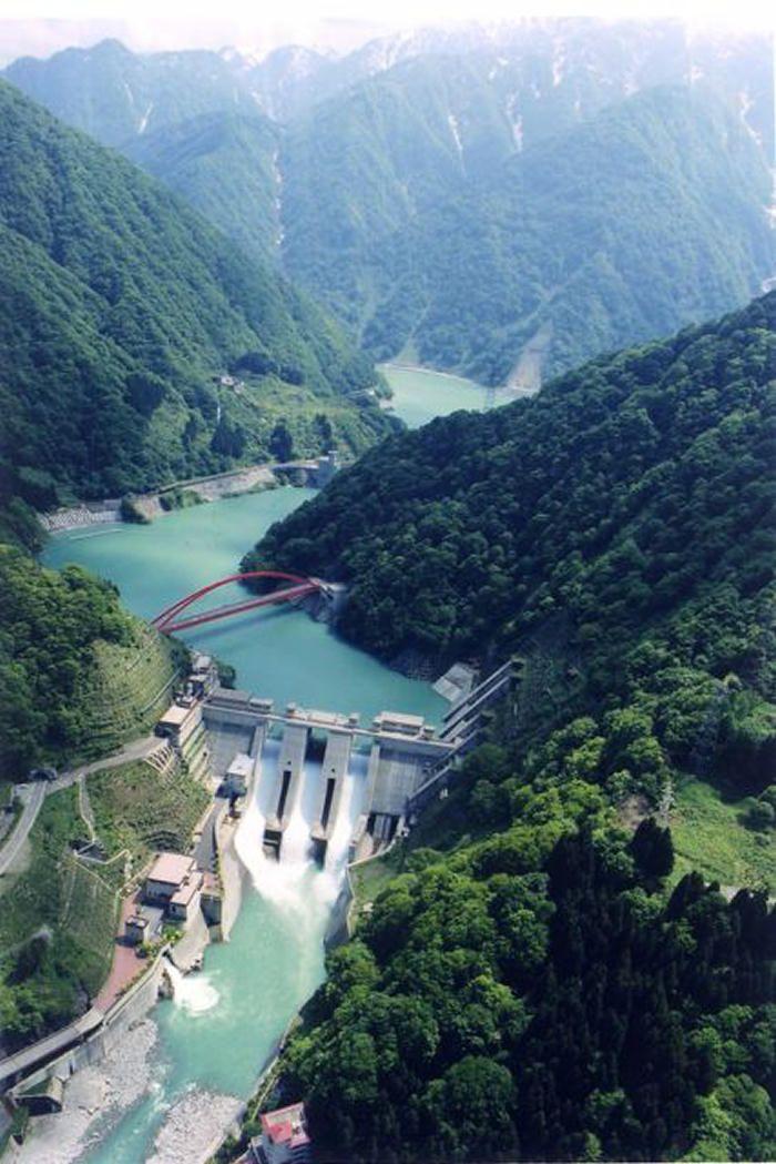 宇奈月ダム