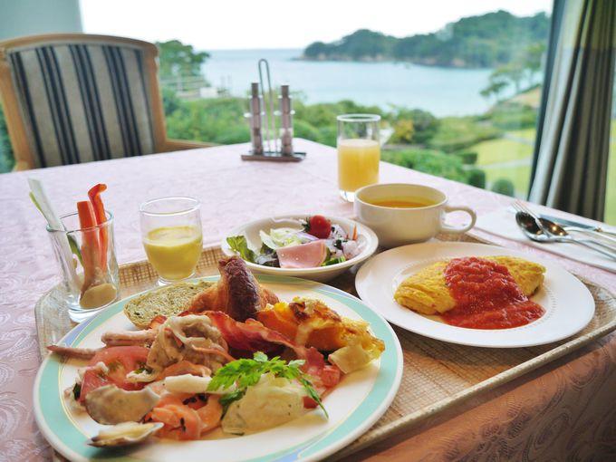 海の幸が盛りだくさんの朝食