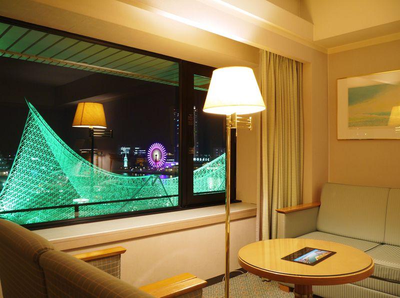 窓からド迫力の神戸メリケンパークの夜景・ホテルオークラ神戸