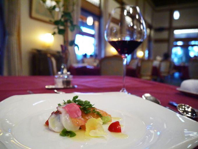 夕食はメインダイニングルーム「三笠」でフレンチ
