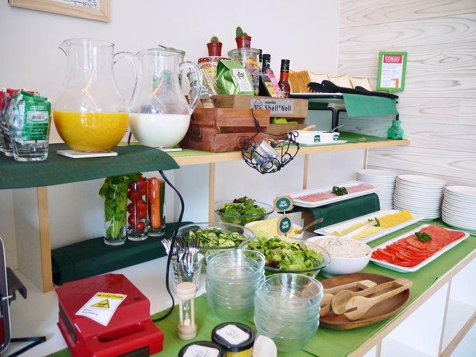朝食は黒門市場の人気のパン