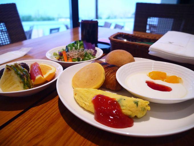 沖縄の食材が楽しめる朝食