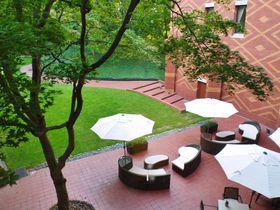 帯広100年の森にエゾリスが住む「森のスパリゾート 北海道ホテル」|北海道|トラベルjp<たびねす>