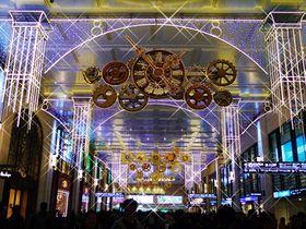 阪急梅田のイルミネーション「0号線のプラットホーム」が美しい|大阪府|トラベルjp<たびねす>