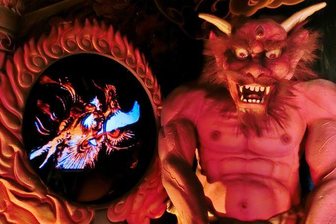 いよいよ恐ろしい地獄堂の内部へ…