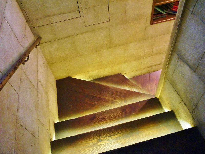 秘密の扉にドッキドキ!京都・マリベルの秘密地下カフェ「エンジェルライブラリー」