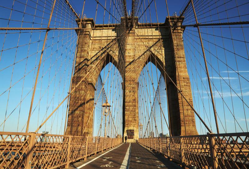 マンハッタン摩天楼を一望!ニューヨーク名物・ブルックリン橋を渡る