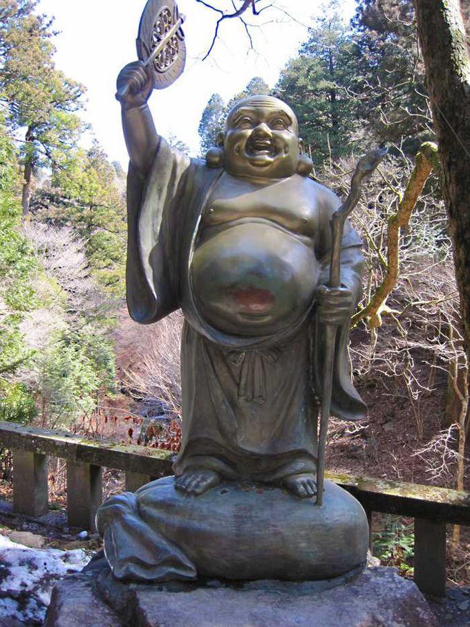 途中、七福神を見つけながら散策するのも楽しみの一つ♪